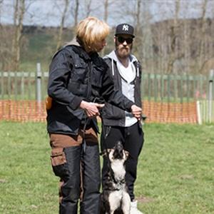 Sabine mit Mann und Hund